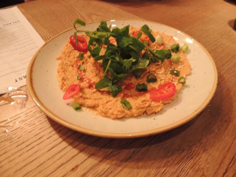 Spicy sriracha hummus