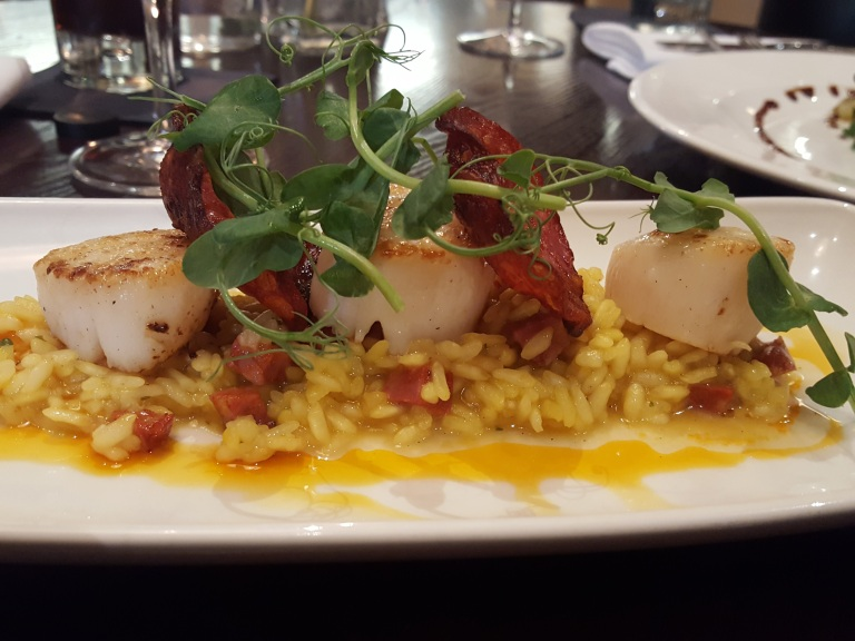 Pan-fried scallops & chorizo, with chorizo and coriander risotto (£8)